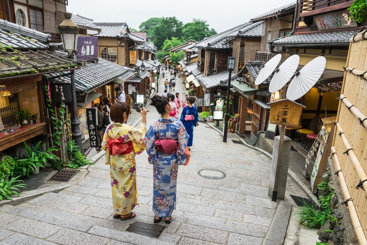 東山エリアで着物を楽しむなら京都 華かざりがおすすめ